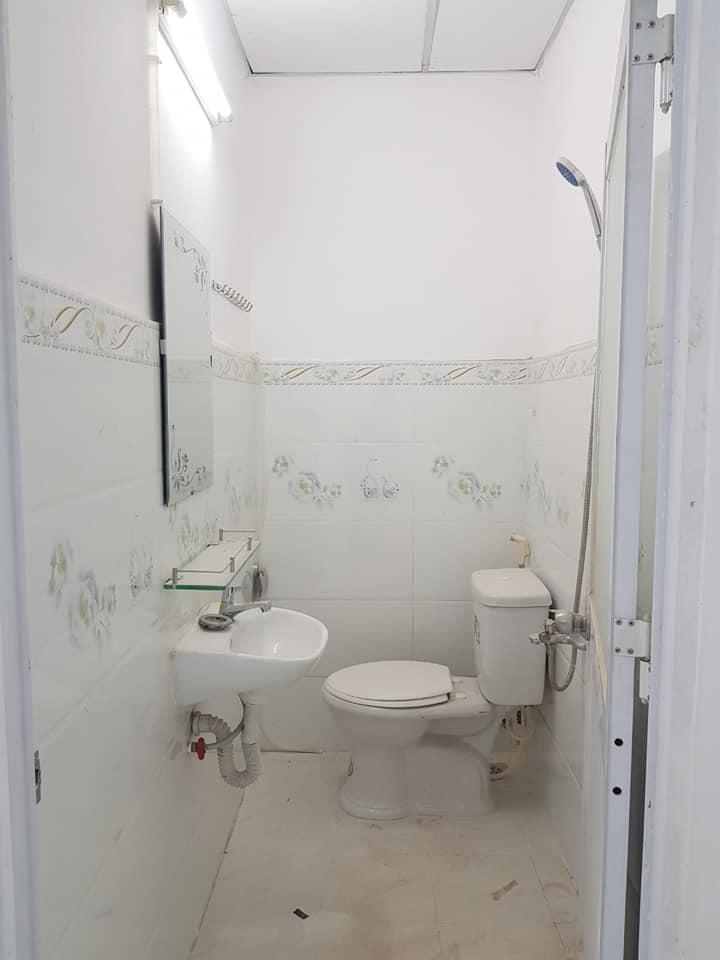 sửa chữa toilet